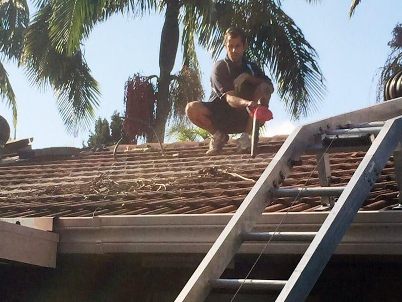 repair solar hot water system